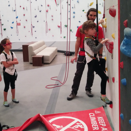 kids-climbing-aut-belay